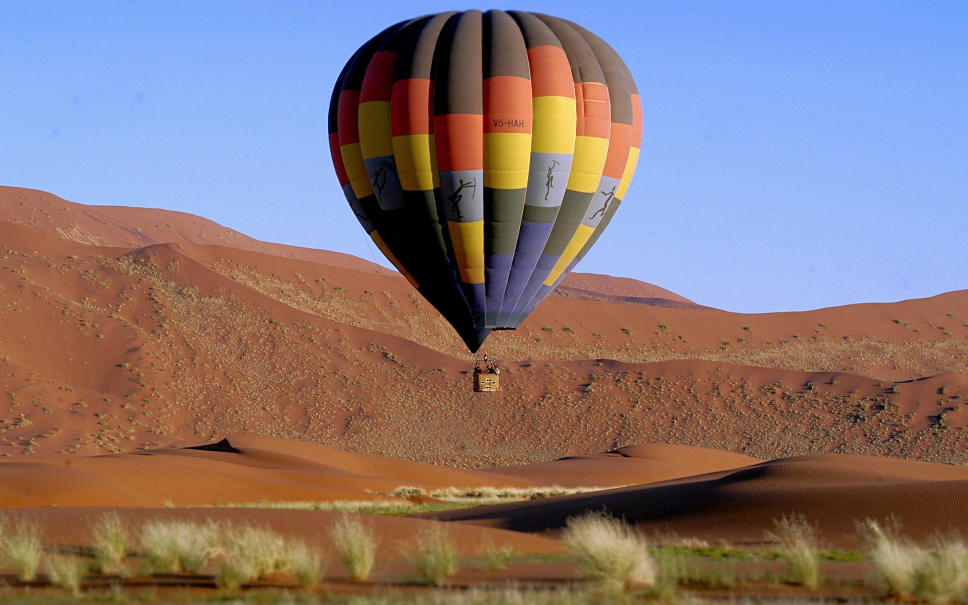Iconic Africa Kalahari Desert Balloon Safari