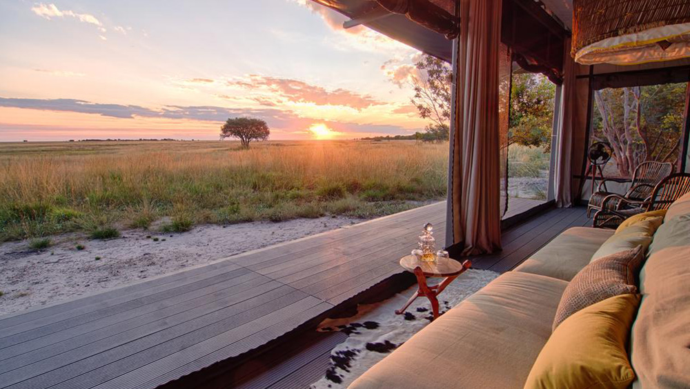 King Lewanika - Lounge on your private verandah, taking in the panoramic views and watching birds and big game